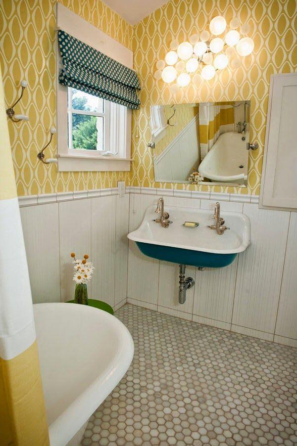 Un ba o amarillo y blanco con toques de azul a yellow Cuartos de bano pinterest