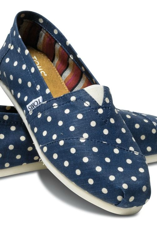 TOMS created Classics with a pattern that is always in style and stays warm on colder nights.
