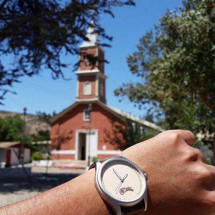 #castorwatches por #chile en #ovalle frente a la iglesia  patrimonial de Barraza. Foto gentileza de Javier Zapata. Ven por tu #reloj Castor en  http://ift.tt/1RZA1G6 . Despacho gratis en todo Chile . Worldwide shipping  . #relojes #relojesdemadera #accesorios #woodenwatch #watch #bamboowatch #montre #montres #watches
