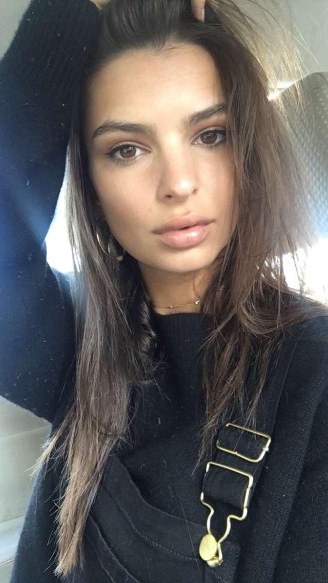 Emily Ratajkowski (emrata on Snapchat)