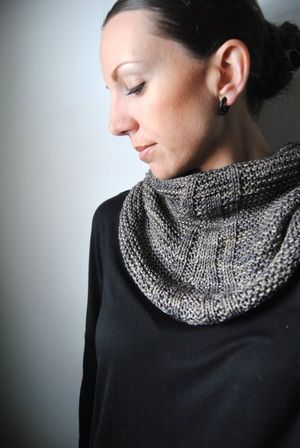 L I N E A G E - Cowl design by Lisa Mutch -   Combining fingering weight yarn, garter stitch and a few stockinette lines to create a simple and modern cowl. http://www.ravelry.com/patterns/library/lineage