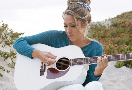 Colbie Caillat, she always has the best style! Love her hair!!