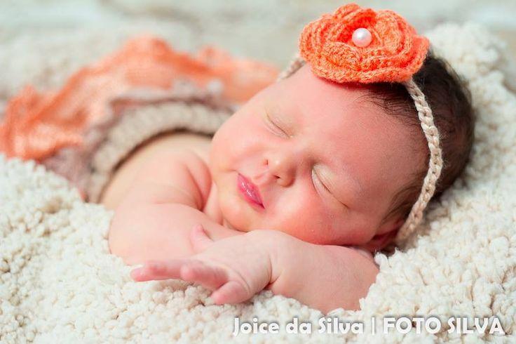 Fotos gentilmente cedidas pela fot�grafa JOICE SILVA <br> <br>O conjunto Sainha Tutu   Tiara   Sapatinho � perfeito para enfeitar a sua princesinha. Composto por uma sainha tutu, uma tiara e sapatinho. <br> <br>*Tamanhos dispon�veis para confec��o: RN