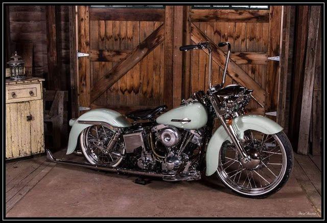 Rua General Osório     Motos Antigas : Harley Tunning