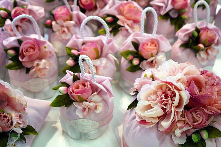 L'eleganza delle rose non  sfiorisce mai. #Wedding RDM design.