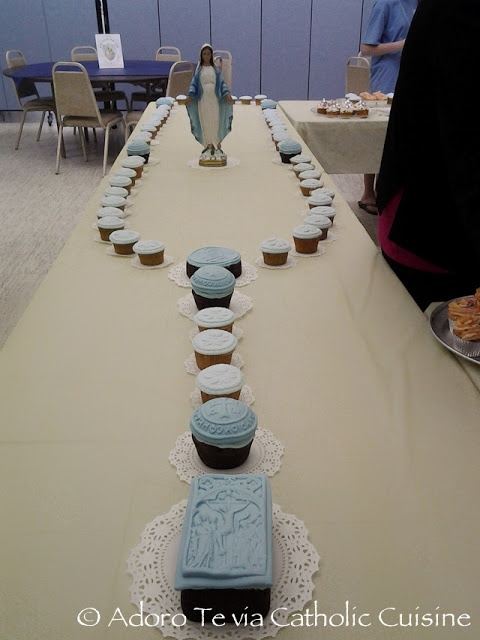 A BEAUTIFUL Cupcake Rosary for Our Lady, with directions and links to the gorgeous Catholic molds used to make it!