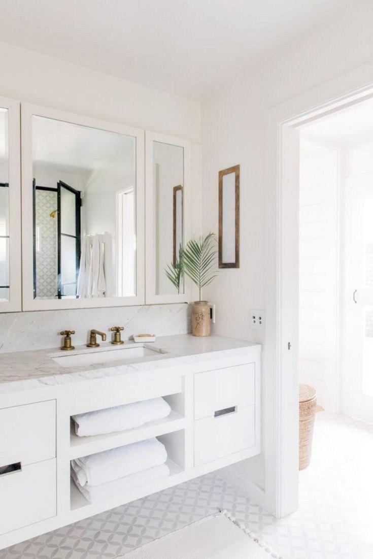 Elegant White Beach House Ideas 029