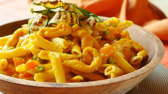 This quick and easy chicken curry pasta is flavoured using masala, ginger and coriander