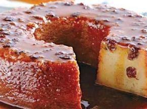 Receita de Pudim de Pão com Leite Condensado e Passas - 3 unidades de pão francês pequenos, sem casca e picados, 1 lata de leite condensado, 3 unidades de o...