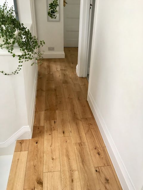 Manor Natural Oak Lacquered Engineered Wood Flooring