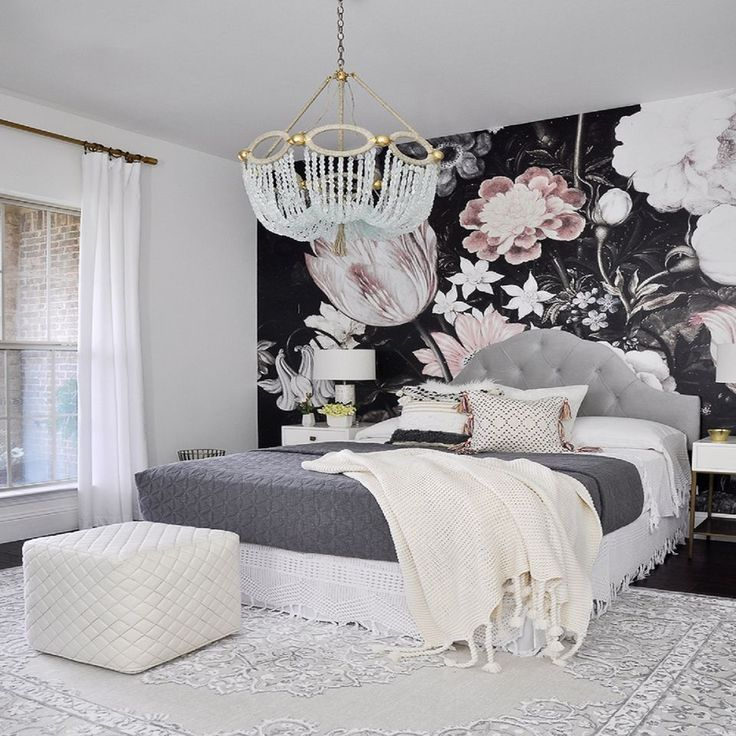 floral wallpaper accent wall - Floral Wallpaper Bedroom Ideas
