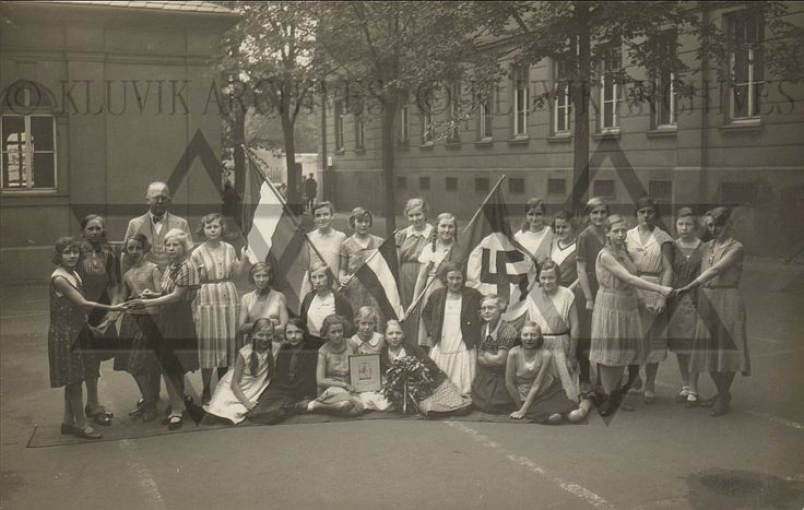 Hitlers Germany 1930s - KLUVIK ARCHIVES