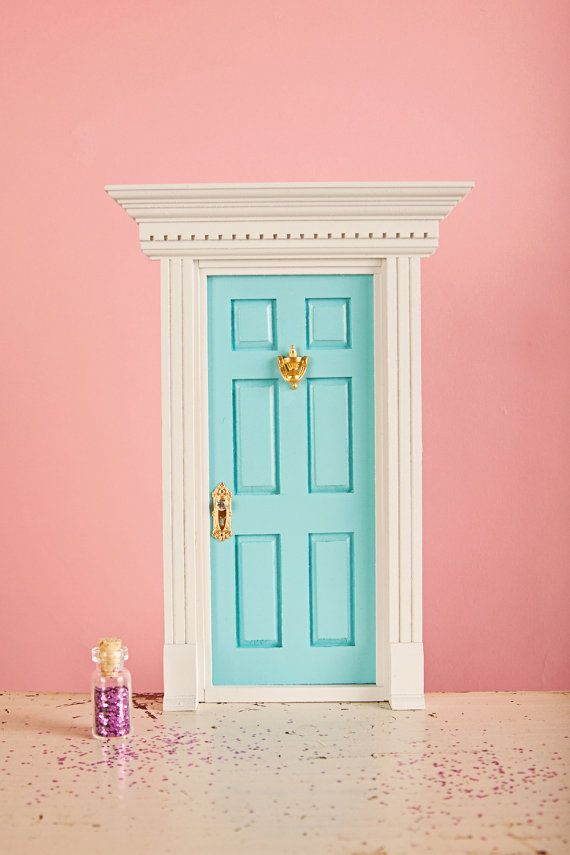 Tooth Fairy Door.. umm cutest thing i have ever seen!! thinking of getting my boys one :) @Monica Dennis @Bethany Spencer