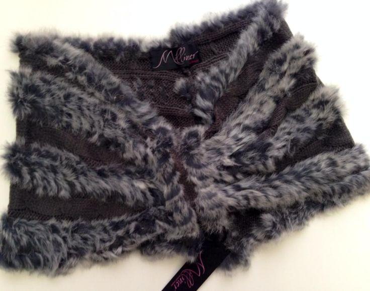 Coprispalle in maglia e lapin  Disponibile in diversi colori e acquistabile su www.la-borsa.it