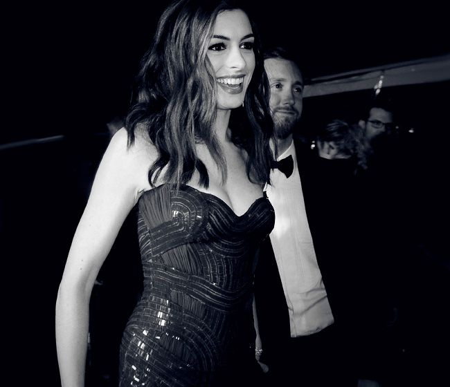 246 Best Anne Hathaway In B&w Images On Pinterest