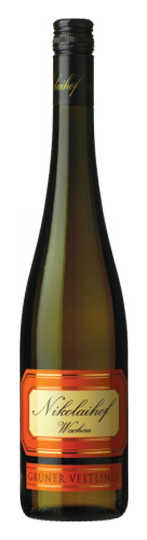 WEINSHOP24.at - Weine aus Österreich - Nikolaihof Grüner Veltliner Federspiel im Weingebirge