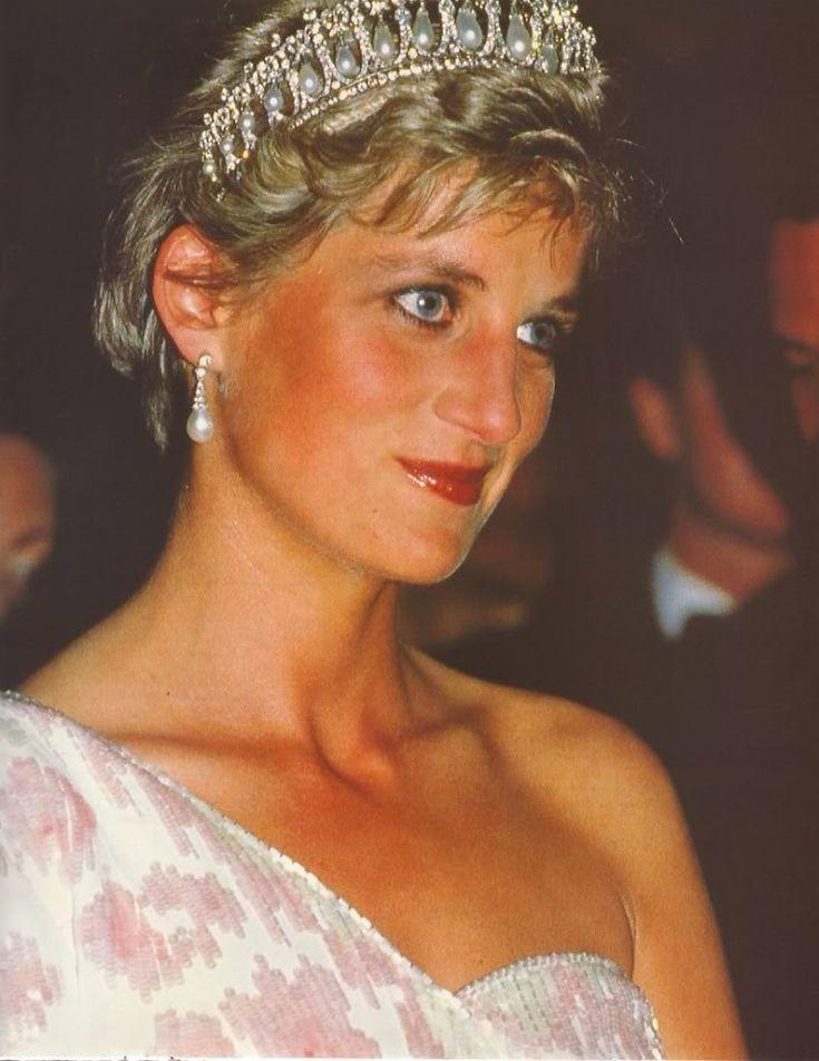 April 1991 prince charles princess diana attend a for Princess diana new photos
