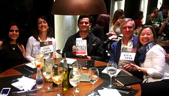 Autor italiano,Gianni Barbacetto, que teve livro prefaciado pelo próprio Sergio Moro faz diagnóstico constrangedor para o juiz brasileiro da Lava Jato.