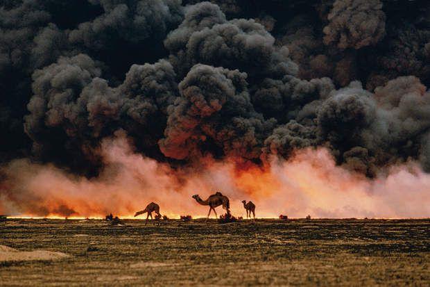 Champs de pétrole (Koweit, 1991)STEVE MCCURRY Oil Fields, Kuwait, 1991