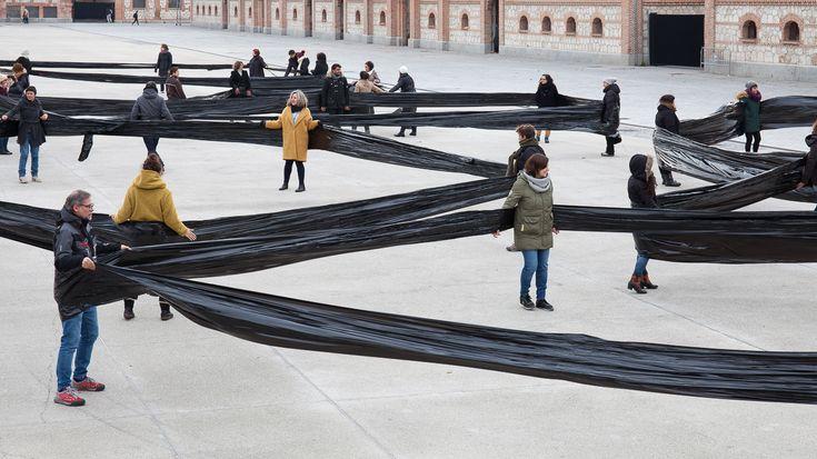 """""""Sacar el Aula"""": Miguel Braceli traslada los modelos de enseñanza al espacio público  https://www.plataformaarquitectura.cl/cl/888216/sacar-el-aula-miguel-braceli-traslada-los-modelos-de-ensenanza-al-espacio-publico?utm_medium=email&utm_source=Plataforma%20Arquitectura&kth=875,871"""