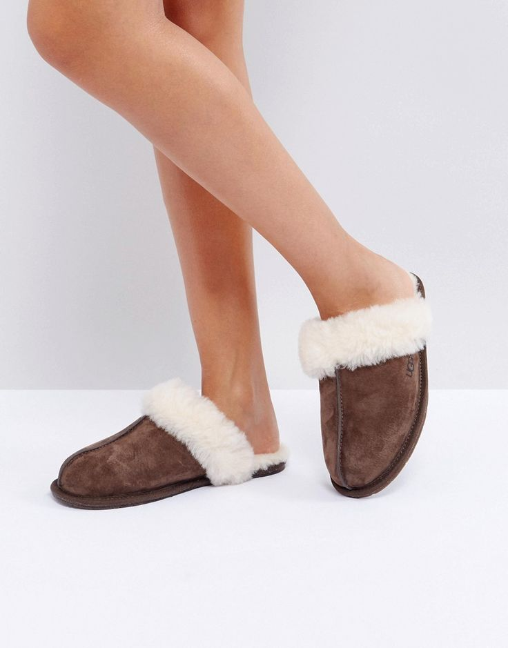 Get this UGG's slippers now! Click for more details. Worldwide shipping. UGG Scuffette II Espresso Slippers - Brown: Slippers by UGG, Sheepskin and water-resistant Silkee suede, Sheepskin lining, Slip-on style, Round toe, Open back, UGG Pure wool insole, Rubber outsole with cork, Treat with a leather protector, 100% Real Leather Upper, Box shows UK size to be half a size larger, Please order your normal size. Australia's original sheepskin boots, UGG, combine luxurious comfort with…