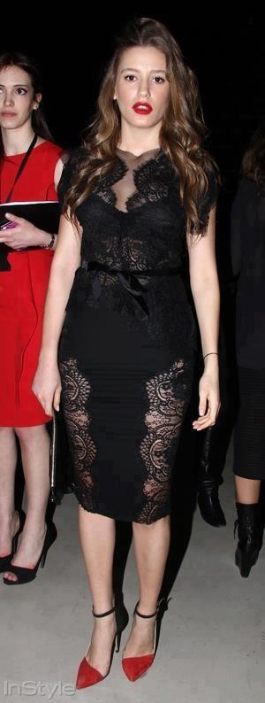 Turkish Actress - Serenay Sarikaya