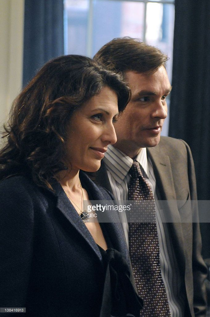 HOUSE -- 'Fall From Grace' Episode 717 -- Pictured: (l-r) Lisa Edelstein as Dr. Lisa Cuddy, Robert Sean Leonard as Dr. James Wilson