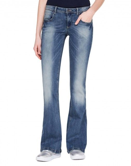 Shop Flared jeans Blue for Jeans at the official United Colors of Benetton online shop.