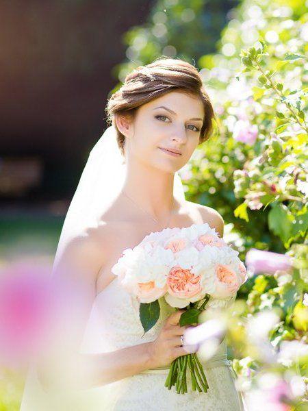 Svatební kytice z růží Austin a hortenzií
