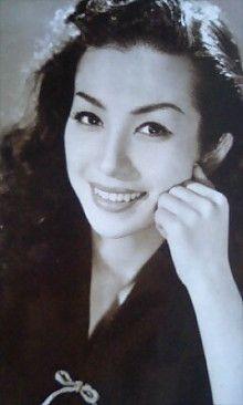 Aratama Michiyo (新珠三千代) 1930-, Japanese Actress