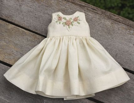 Free pattern: Heirloom doll dress · Needlework News | CraftGossip.com