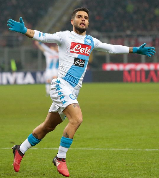 Lorenzo Insigne of SSC Napoli celebrates after scoring the opening goal during the Serie A match between AC Milan and SSC Napoli at Stadio Giuseppe Meazza on January 21, 2017 in Milan, Italy.