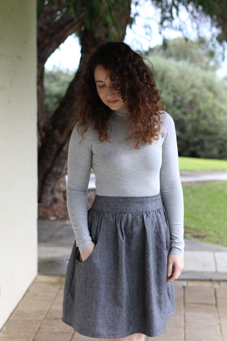 Last year I noticed a trend in my sewing: grey. Loads of grey. Evidently this is going to continue in 2017, I hope you're ok with that hehe. I think its probably my favourite neutral and I'm really enjoying how well it pairs with other colours. But you know whats better than one grey? TWO GREYS! …