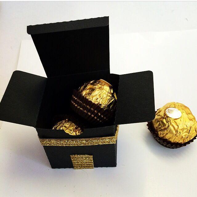 Hajj favor box from http://HafsaCreates.etsy.com