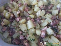 Insalata polpo e patate Bimby, con polpo congelato (da scongelare per tempo) o fresco...ottima in ogni caso! Ingredienti per 4 persone: 600 gr di polpo, ...