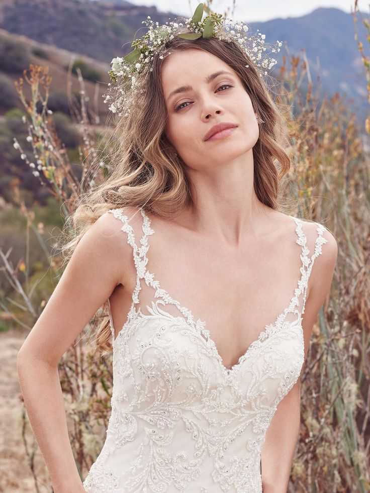 27 best Wedding Gowns images on Pinterest   Wedding frocks ...