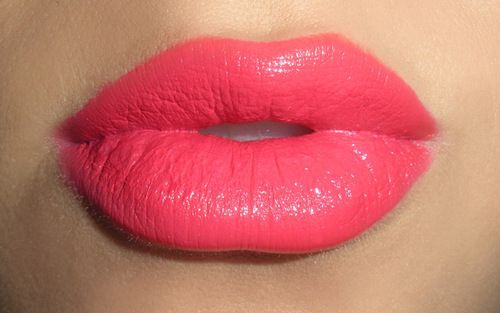 perfect coral :): Kiss, Shades, Coral Lips, Makeup, Mac Lipsticks, Hot Pink, Pink Lipsticks,  Lips Rouge, Lips Colors
