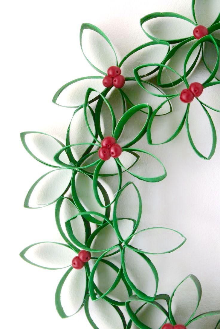 Decorations For Christmas Wreaths