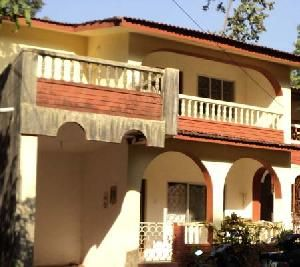 Semi-detached Villa for sale at Sucorro     3bedrooms, living, dining, kitchen, 2 bath & toilet, 14 years old, unfurnished, 1 balcony, 2 open terrace, 1 car park, residential area, 1.5 kms from NH-17.For more info contact: mailto:allpropert... #goa #india #villa #property #homes