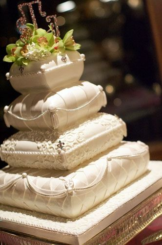 pillow cakes for indian wedding | wedding-in-san-francisco-pillow-wedding-cakes-3.jpg