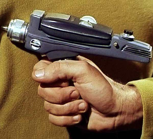 21 Armas memorables de la ciencia ficción