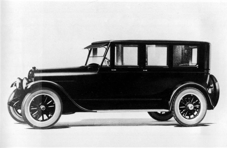Description of . The 1922 Lincoln Limousine, specially created for a limited market, emerged after the Ford Motor Co.'s purchase of Lincoln Motor Company in Feb. 1922. (AP Photo)