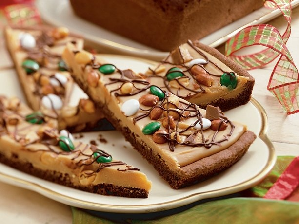 Chocolate Peanut Butter Candy Pizza  This should be illegal.
