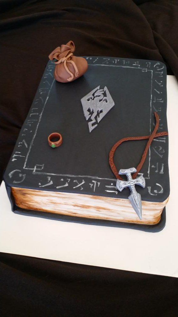 This is my cake (actually THE cake ) #Skyrim cake I made for a special guy #Cakes #ElderScrolls