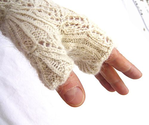 I need a new pair of fingerless mitts. Lace??