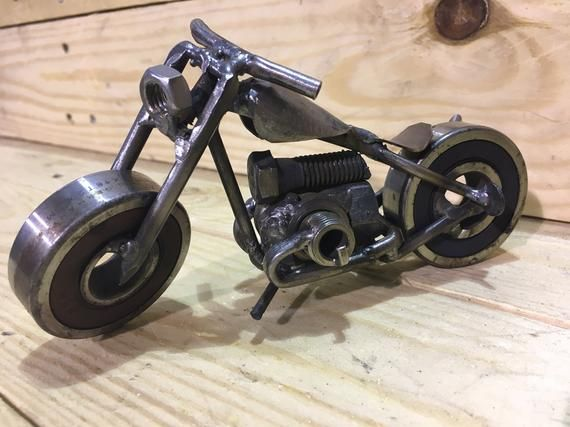 Scrap Metal Art Motorcycle Ural Bobber Projets D Art En Metal