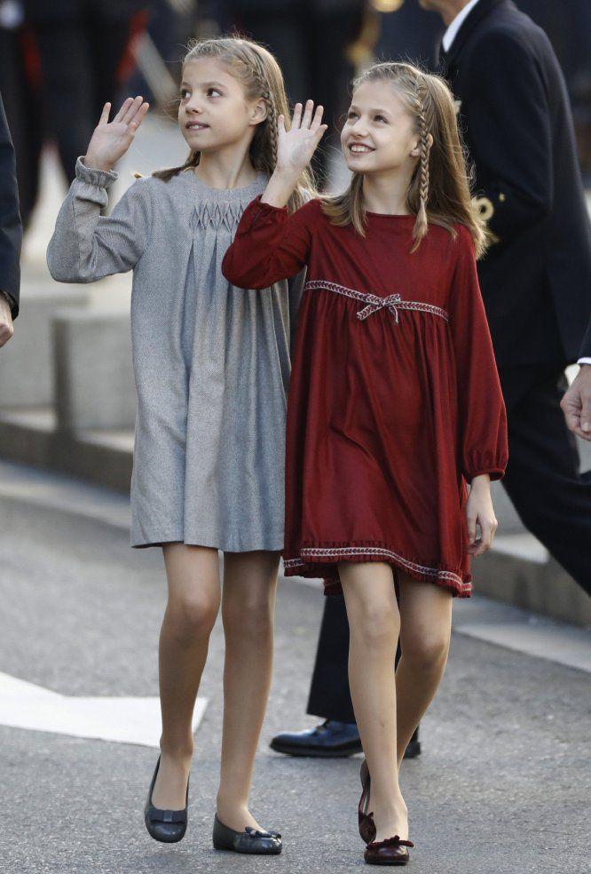 ♥ ¿Qué sabemos de los vestidos de LEONOR y SOFÍA en la Apertura de la XII Legislatura? ♥ : Blog de Moda Infantil, Moda Bebé y Premamá ♥ La casita de Martina ♥