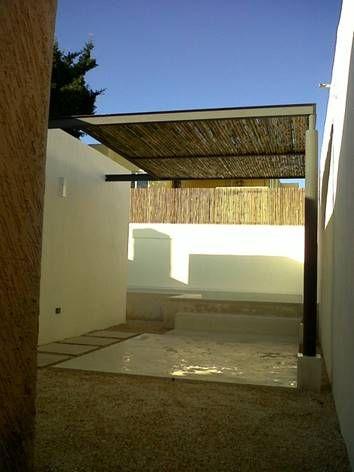 M s de 1000 ideas sobre piscinas de patio trasero en Piscinas alargadas y estrechas