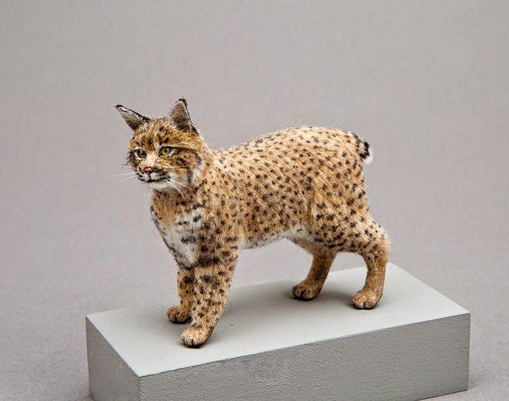 Good Sam Showcase of Miniatures (jt-stunning North American 'Bobcat' by Takumi Takanashi)