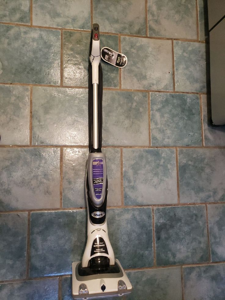 shark sonic duo hardwood/carpet cleaner in great condition